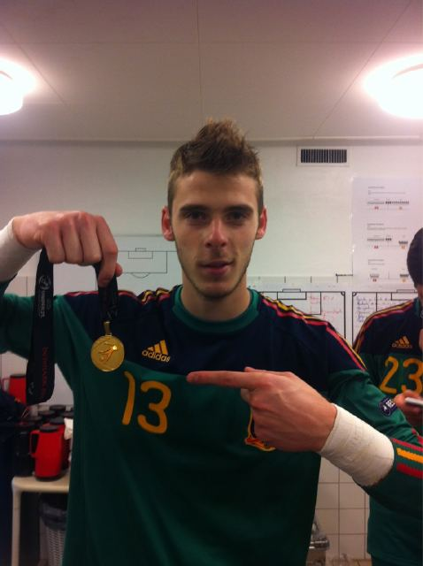 @D_DeGea: CAMPEONES CAMPEONES oE oE oE!!! Incredible, champions of Europe. Thanks to everybody for the support.