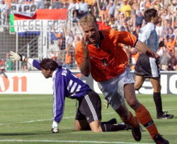 Bergkamp-Holland-1998