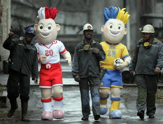 euro 2012 mascots named slavek and slavko